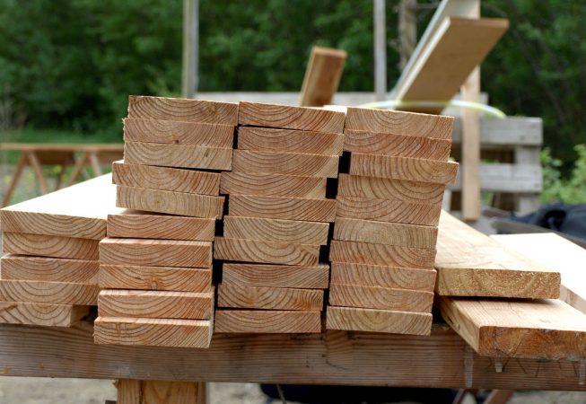Høvlet splintfri lærketræ