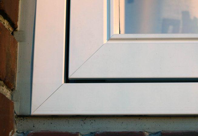 Gummifuge på træ-alu vindue