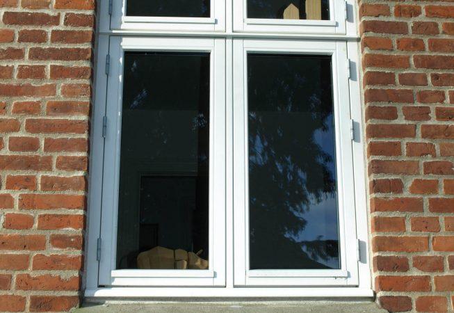 Kernetræ linolie dannebrog vindue
