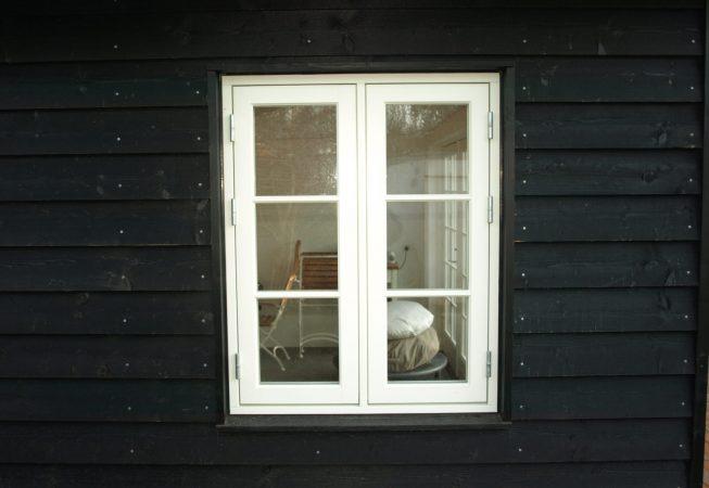 Model Svanholm Ral 9010 vindue